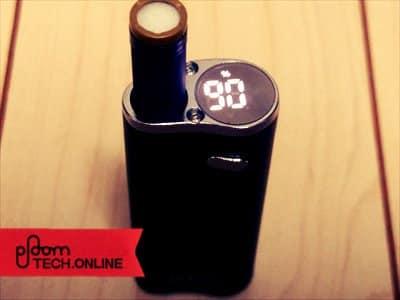 Dfasmo/ディファスモにカートリッジ+たばこカプセルをセットして電源を入れた状態