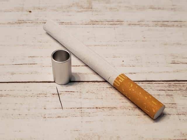 紙巻タバコと