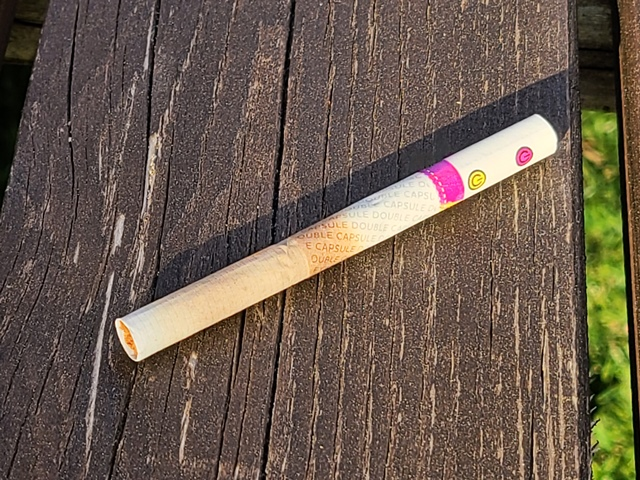 ネオ・パイナップル・ベリー・ミックス・スティックをカプセルを割らないで吸ってみた